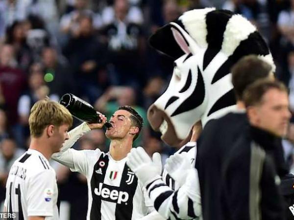 Ronaldo cùng với Juventus lập kỷ lục mới với danh hiệu Scudetto