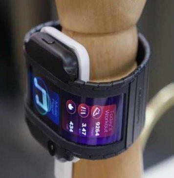 Smartphone đeo tay Nubia Alpha vừa lên kệ với giá hơn 12 triệu đồng