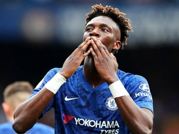 Chelsea giữ chân thành công sao trẻ Abraham