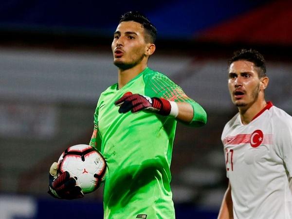 Chi 15 triệu bảng, Liverpool muốn có thủ môn người Thổ Nhĩ Kỳ