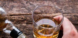 Mơ thấy uống rượu là điềm gì, chơi con đề nào dễ trúng?