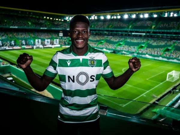 Chuyển nhượng tối 28/7: MU chi 82 triệu bảng cho 2 đồng hương Fernandes