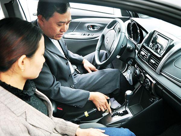 Mơ thấy ngồi trên xe ô tô đánh con gì là chuẩn nhất?
