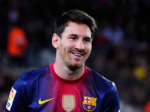 Chuyển nhượng sáng 22/4: Barca giữ chân Messi thêm 2 năm