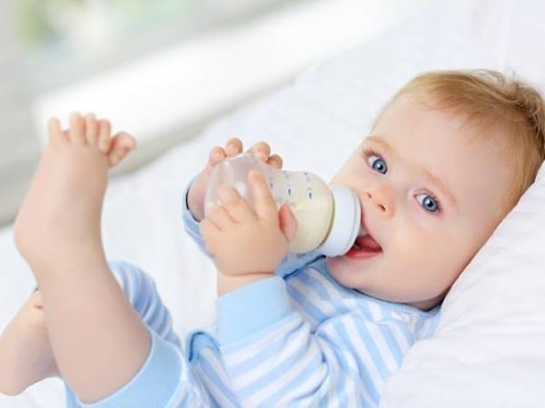 Ý nghĩa điềm báo giấc mơ thấy em bé bú sữa